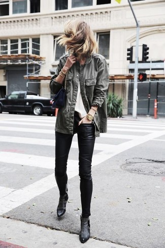 This pairing of an olive military jacket and black leather slim pants embodies comfort and versatility. Let's make a bit more effort now and choose a pair of black studded leather booties. Warmer temperatures call for lighter looks like this one.