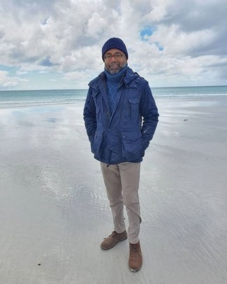 Navy Beanie Outfits For Men: This outfit with a navy military jacket and a navy beanie isn't a hard one to create and is easy to adapt. Brown suede desert boots will inject a hint of sophistication into an otherwise utilitarian look.