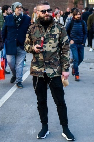 How to Wear Jeans For Men: An olive camouflage military jacket and jeans are a wonderful outfit to add to your current rotation. Feeling inventive today? Spice up this look by rounding off with a pair of navy athletic shoes.