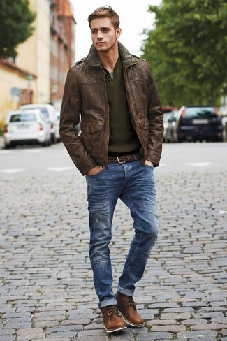 If you appreciate function above all else, this casual street style combination of a dark brown leather military jacket and navy ripped jeans is your go-to. Give an added dose of elegance to your look by slipping into a pair of dark brown leather casual boots.