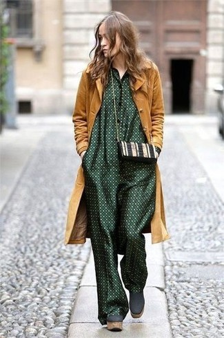 Let everyone know that you know a thing or two about style in a Boohoo women's Cara Regan Hooded Duster Coat and a dark green polka dot jumpsuit. Lift up this outfit with dark green chunky suede ankle boots. No doubt, an ensemble like this will keep you warm and stylish, rain or shine.