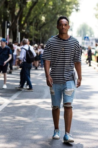 Light Blue Ripped Denim Shorts Outfits For Men: When the situation permits a casual look, reach for a navy and white horizontal striped crew-neck t-shirt and light blue ripped denim shorts. And if you wish to effortlessly dial up your look with one item, add a pair of blue canvas low top sneakers to your ensemble.