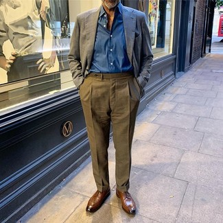 How to wear: navy linen blazer, blue long sleeve shirt, olive dress pants, brown leather derby shoes