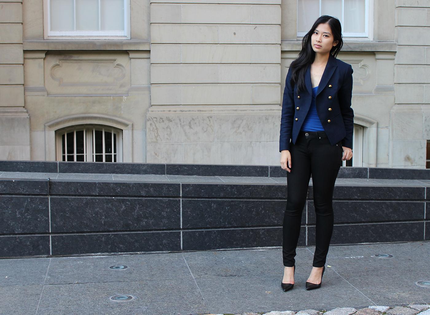 Black dress navy blazer - Wear A Navy Blue Blazer Jacket And Black Skinny Jeans For A Casual Level Of Dress