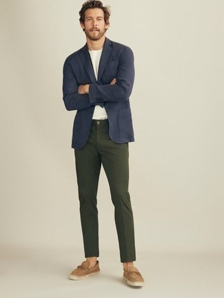 How to Wear Tan Suede Espadrilles For Men: Such essentials as a navy blazer and dark green chinos are the perfect way to introduce extra sophistication into your current casual rotation. A pair of tan suede espadrilles effortlesslly turns up the wow factor of this outfit.