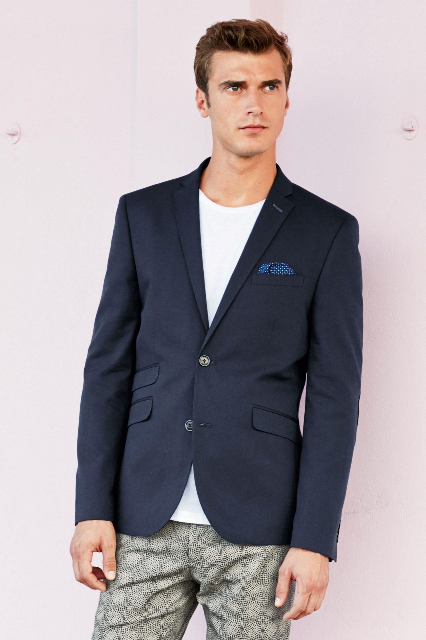 How To Wear a Navy Blazer With a White Crew-neck T-shirt | Men's ...