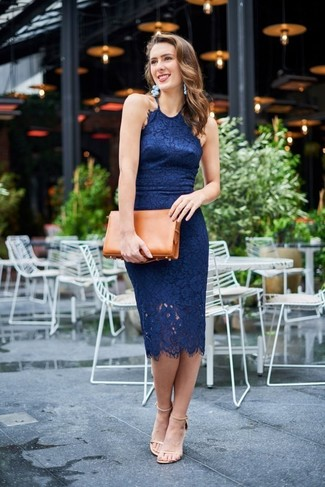Tobacco Leather Clutch Outfits: Why not consider wearing a navy lace bodycon dress and a tobacco leather clutch? These two pieces are totally functional and will look amazing teamed together. Want to break out of the mold? Then why not add beige leather heeled sandals to the equation?