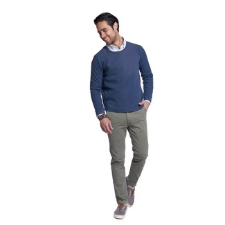How to wear: navy crew-neck sweater, light blue vertical striped long sleeve shirt, grey chinos, grey canvas low top sneakers