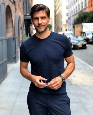 987a12b1cd How to Wear a Navy Crew-neck T-shirt For Men (121 looks   outfits ...