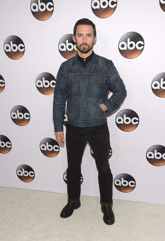 How to wear: navy denim jacket, black long sleeve shirt, black jeans, black leather desert boots