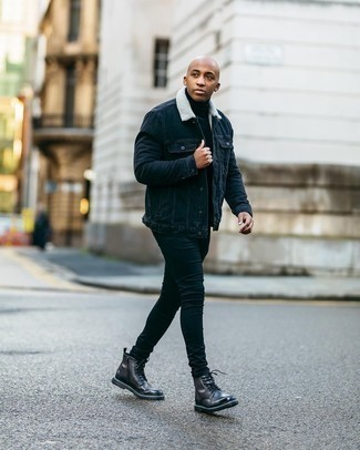 Men's Outfits 2020: If you're looking for a casual but also on-trend ensemble, wear a navy denim jacket with a navy turtleneck.