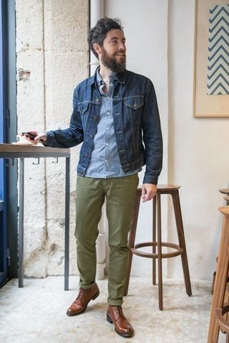 How to Wear Brown Leather Casual Boots For Men: If you're looking to take your casual fashion game up a notch, make a navy denim jacket and olive chinos your outfit choice. Here's how to inject a hint of sophistication into this ensemble: brown leather casual boots.