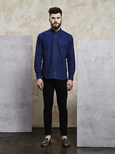 How To Wear Black Skinny Jeans With a Navy Denim Shirt | Men's Fashion