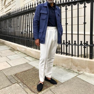 How to Wear White Dress Pants For Men: You're looking at the solid proof that a navy linen field jacket and white dress pants are amazing when worn together in an elegant ensemble for today's gentleman. A pair of black suede loafers is a savvy option to complement this getup.