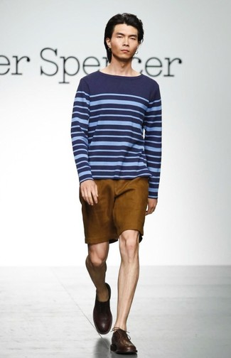 Go for a Paul Smith Ps By Fine Striped Knitted Jumper and tobacco shorts for a Sunday lunch with friends. Take a classic approach with the footwear and grab a pair of dark brown leather derby shoes. What better pick for a warm day?