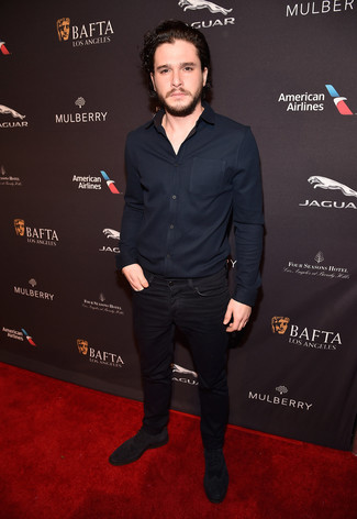 Kit Harington wearing Navy Long Sleeve Shirt, Black Jeans, Dark Brown Suede Oxford Shoes