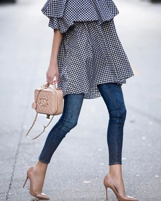 How to wear: navy gingham off shoulder dress, navy skinny jeans, tan leather pumps, tan quilted leather crossbody bag