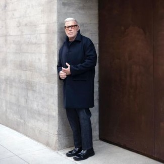 Navy Overcoat Outfits After 50: A smart pairing of a navy overcoat and navy chinos can maintain its relevance in many different settings. Why not add black leather chelsea boots to the mix for an added touch of style? If you're wondering how you should dress as a 50-year-old, this ensemble is a good source of inspiration.