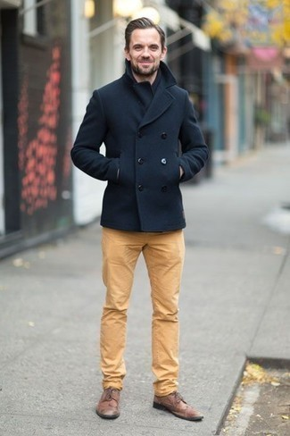 Navy Pea Coat Outfits: Such essentials as a navy pea coat and khaki chinos are an easy way to inject some manly refinement into your day-to-day off-duty collection. Complete this getup with a pair of brown leather brogues to completely jazz up the outfit.