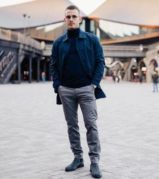 How to wear: navy raincoat, navy turtleneck, grey chinos, navy suede chelsea boots