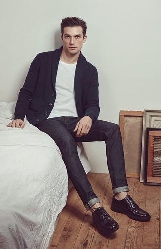 Charcoal Jeans Outfits For Men: Team a navy shawl cardigan with charcoal jeans for a cool and relaxed and fashionable look. Puzzled as to how to finish off your ensemble? Finish off with a pair of black leather derby shoes to amp it up a notch.