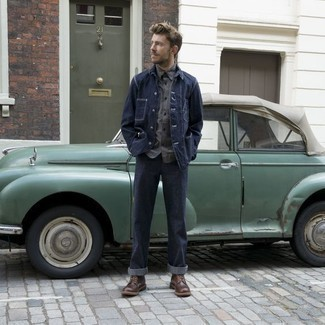 Which Casual Boots To Wear With a Grey Long Sleeve Shirt For Men: If you're after a relaxed casual and at the same time on-trend ensemble, pair a grey long sleeve shirt with navy jeans. To bring a bit of depth to your look, complete this look with casual boots.