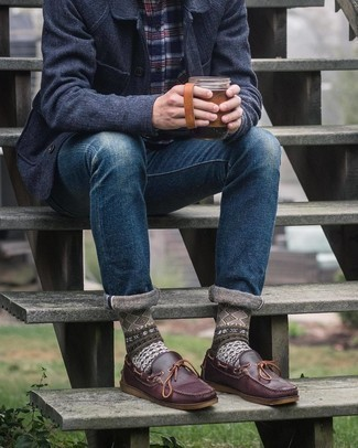 Navy Plaid Long Sleeve Shirt Outfits For Men: Consider teaming a navy plaid long sleeve shirt with navy jeans to bring out the dapper in you.