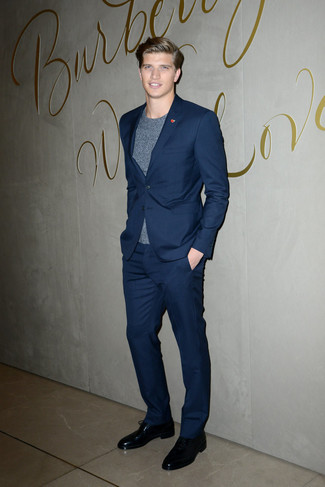 How to wear: navy suit, grey crew-neck t-shirt, black leather derby shoes