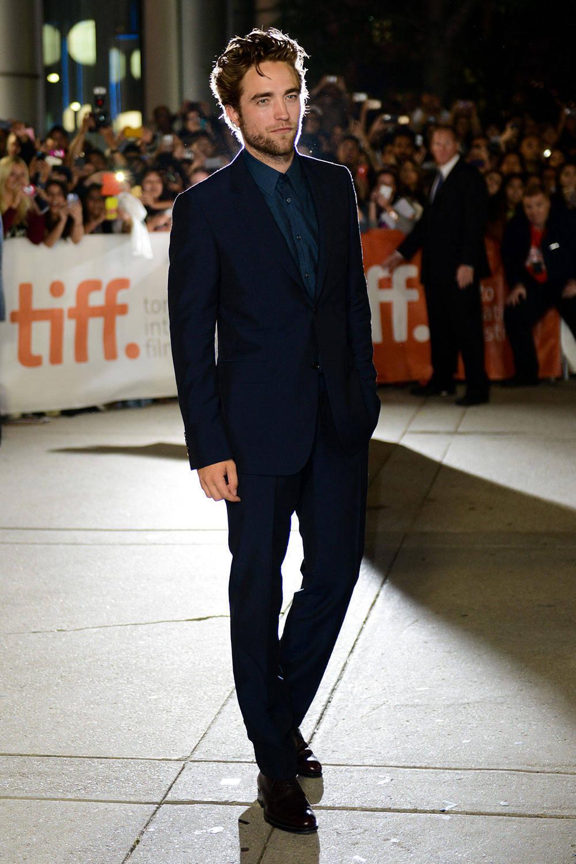 Robert Pattinson wearing Navy Suit, Navy Dress Shirt, Burgundy ...