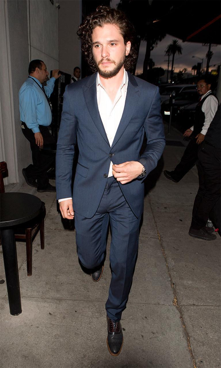 Kit Harington Wearing Navy Suit White Long Sleeve Shirt Black Leather Oxford Shoes Silver Watch Men S Fashion