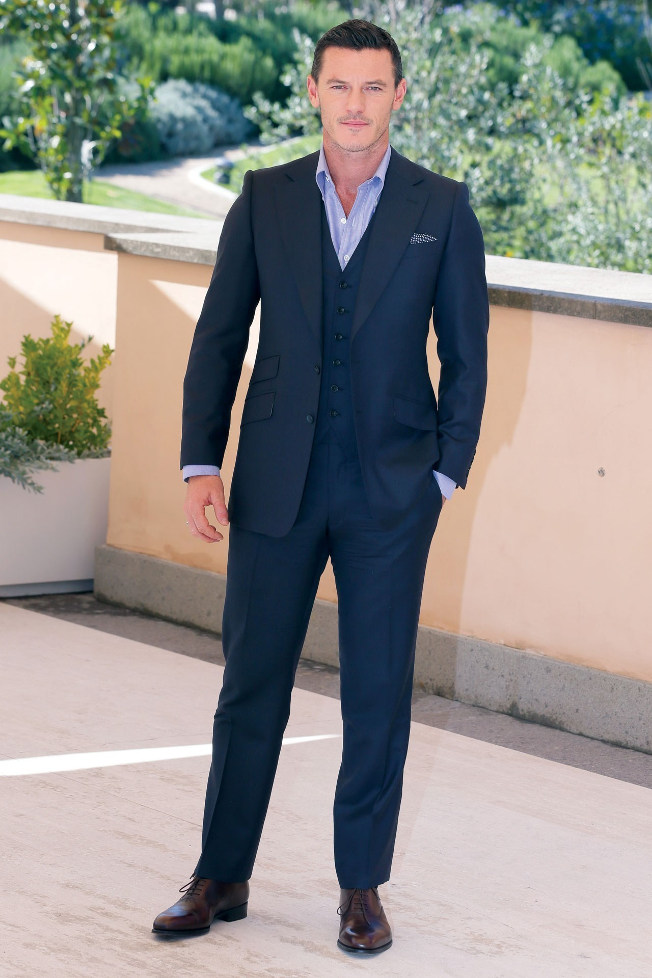 How To Wear a Light Blue Dress Shirt With a Navy Three Piece Suit