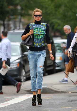 How to wear: navy print turtleneck, light blue boyfriend jeans, black print suede ankle boots, black leather tote bag