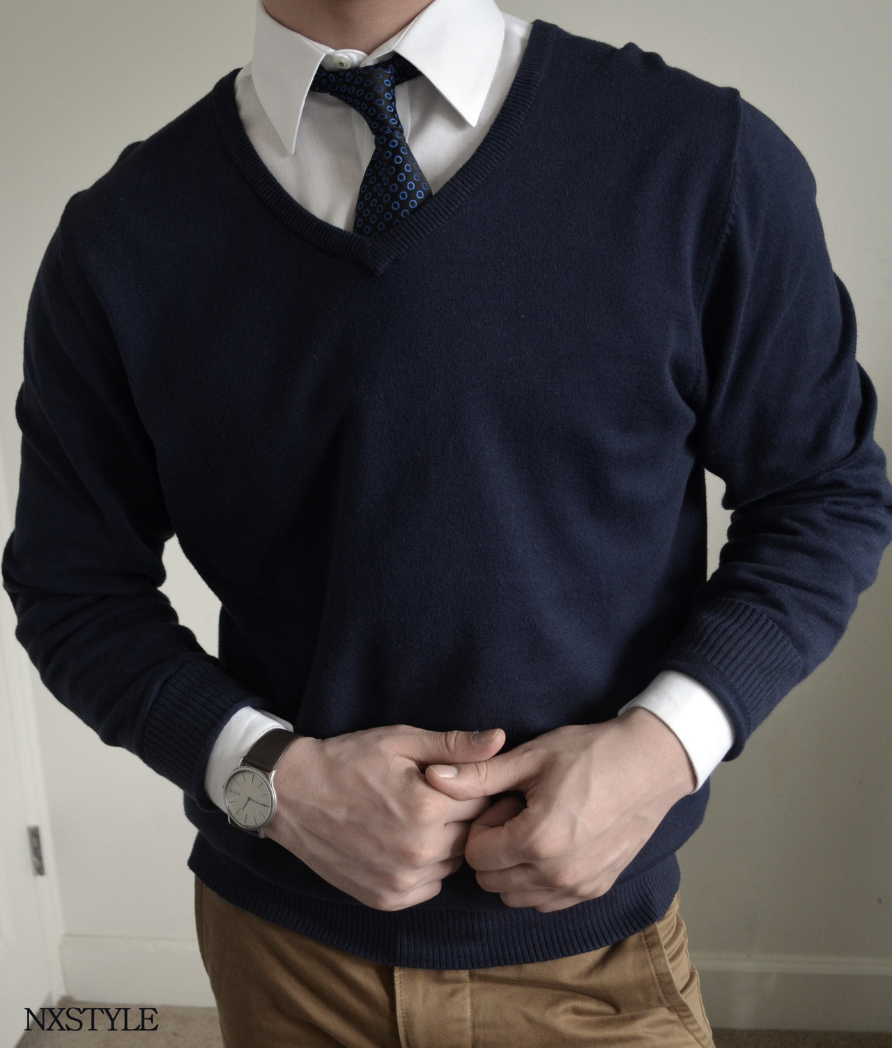 How to Wear a Navy V-neck Sweater (56 looks) | Men's Fashion