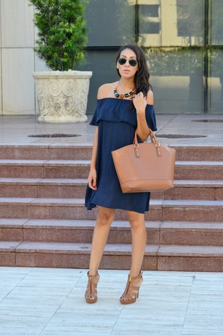 A blue off shoulder dress and a Kate Spade New York Cameron Street Lucie Tote is a good pairing to add to your casual repertoire. A cool pair of tan leather heeled sandals is an easy way to upgrade your look. Naturally, you're looking at a smart idea for a hot weather afternoon.
