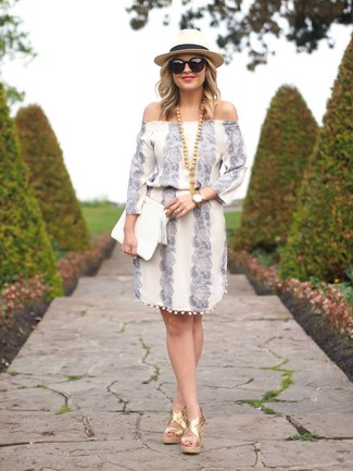 How to Wear a White Leather Clutch Casually: For a casual and cool outfit, make a white print off shoulder dress and a white leather clutch your outfit choice — these items play really well together. If you need to easily spruce up this outfit with footwear, complete your getup with gold leather wedge sandals.