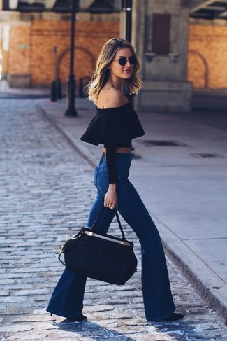 How to Wear Black Leather Pumps In Hot Weather: We say a big yes to this off-duty combination of a black off shoulder top and blue flare jeans! To give this look a more refined feel, why not complement this outfit with black leather pumps?