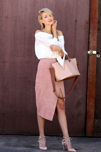 How to wear: white off shoulder top, pink slit suede midi skirt, pink suede pumps, beige leather tote bag