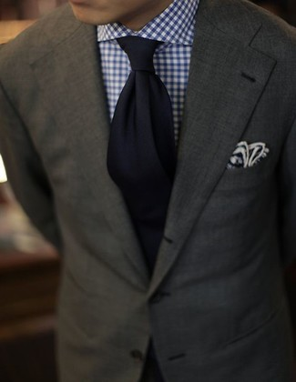 Wear a Ben Sherman men's Herringbone Blazer Apparel and a white and navy gingham dress shirt for drinks after work. So if it's a hot weather day and you want to look sharp without exerting much effort, this ensemble will do the job in no time.
