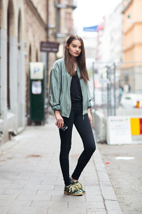 How To Wear An Olive Bomber Jacket 54 Looks Outfits Women S