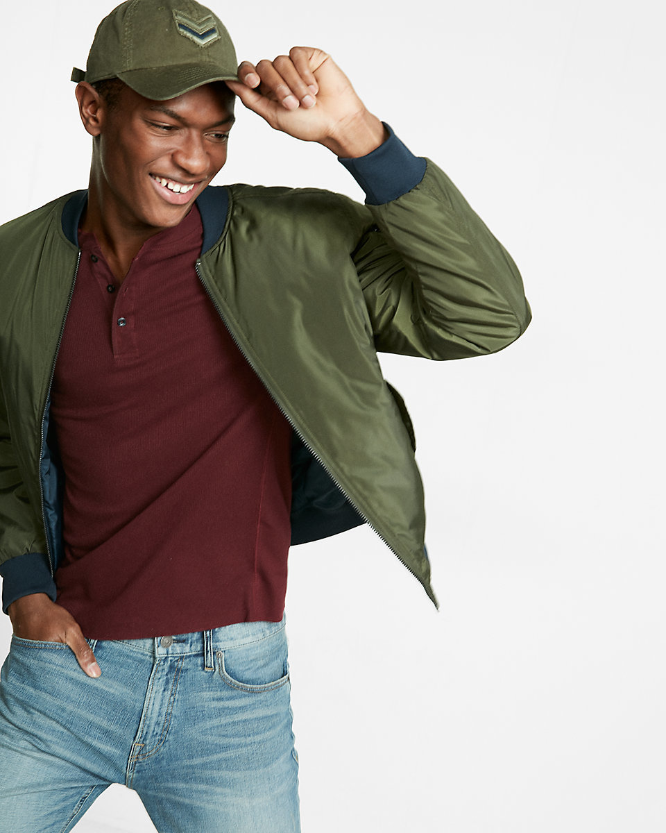 How to Wear an Olive Baseball Cap For Men (14 looks   outfits ... 1200ab1e288