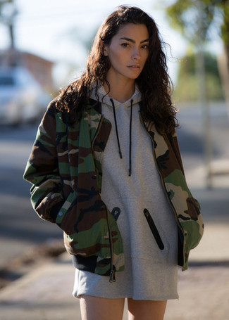 How to wear: olive camouflage bomber jacket, grey casual dress