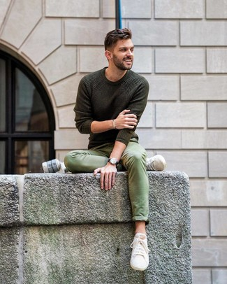 How to Wear an Olive Crew-neck Sweater For Men: For relaxed dressing with a twist, you can go for an olive crew-neck sweater and green chinos. Bring a different twist to an otherwise classic ensemble by slipping into a pair of beige canvas low top sneakers.