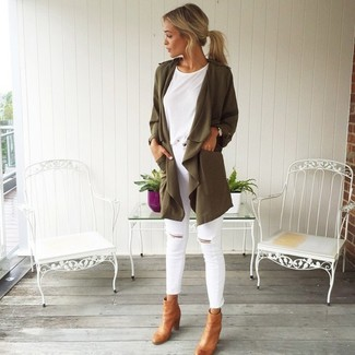 How to wear: olive duster coat, white crew-neck t-shirt, white ripped skinny jeans, tan leather ankle boots