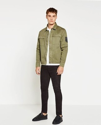 Olive Harrington Jacket Outfits: If you like the comfort look, marry an olive harrington jacket with black skinny jeans. When it comes to footwear, this ensemble is finished off well with black leather low top sneakers.