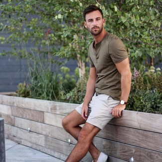 How to wear: olive henley shirt, white shorts, white canvas low top sneakers, dark brown leather watch