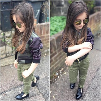 How to wear: olive camouflage jacket, olive jeans, black loafers, olive sunglasses