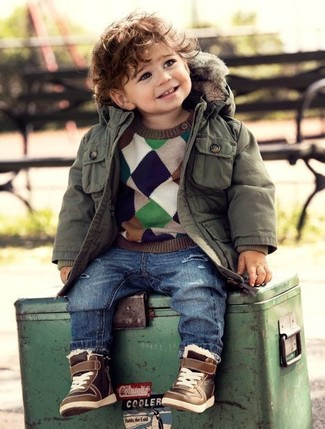 This combo of an olive parka and blue jeans is both a comfortable and stylish choice for your child. As far as footwear is concerned, suggest that your boy grab a pair of brown sneakers.