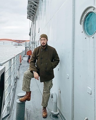 Mint Cargo Pants Outfits: An olive pea coat and mint cargo pants are the kind of a tested combo that you need when you have no extra time. A pair of brown leather casual boots integrates well within a multitude of combos.