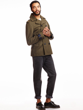 Pair a River Island Green Smart Wool Blend Pea Coat with charcoal jeans if you're going for a neat, stylish look. You could perhaps get a little creative when it comes to footwear and dress up your look with black leather derby shoes. A look like this is great for awkward transition weather.