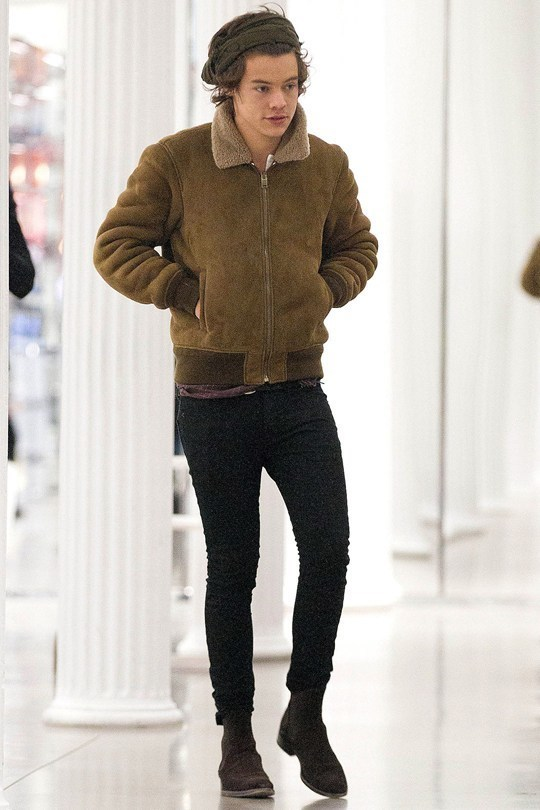 Top Harry Styles wearing Olive Shearling Jacket, Black Skinny Jeans  NK43